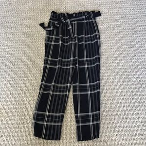 Chic & Stylish pant with belt side pockets